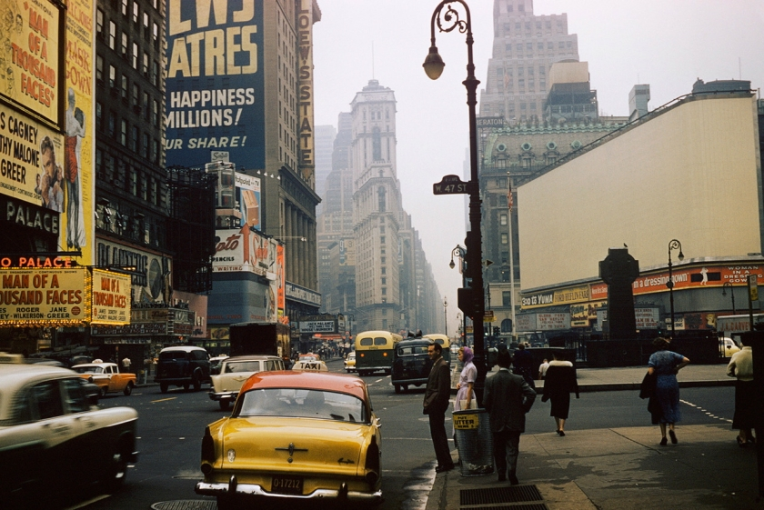 47th-Street-New-York-1957-photograph-by-André-Robé