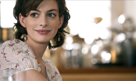 Anne-Hathaway-in-One-Day.-007