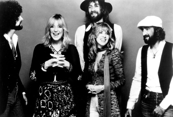 holding-fleetwood-mac-vintage-clips