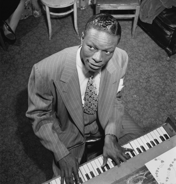 Nat_King_Cole_(Gottlieb_01511).jpg