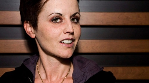 Dolores O'Rierdon The Cranberries The Quintessentials Lyriquediscorde