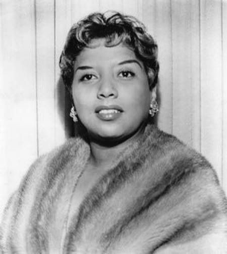Etta Jones Dont Go To Strangers