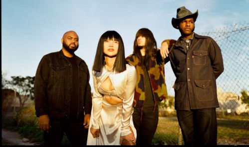 Khruangbin and Leon Bridges C-Side Top 5 Song 2