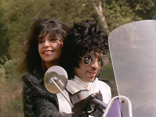030697-20170421-prince-and-apollonia-in-purple-rain