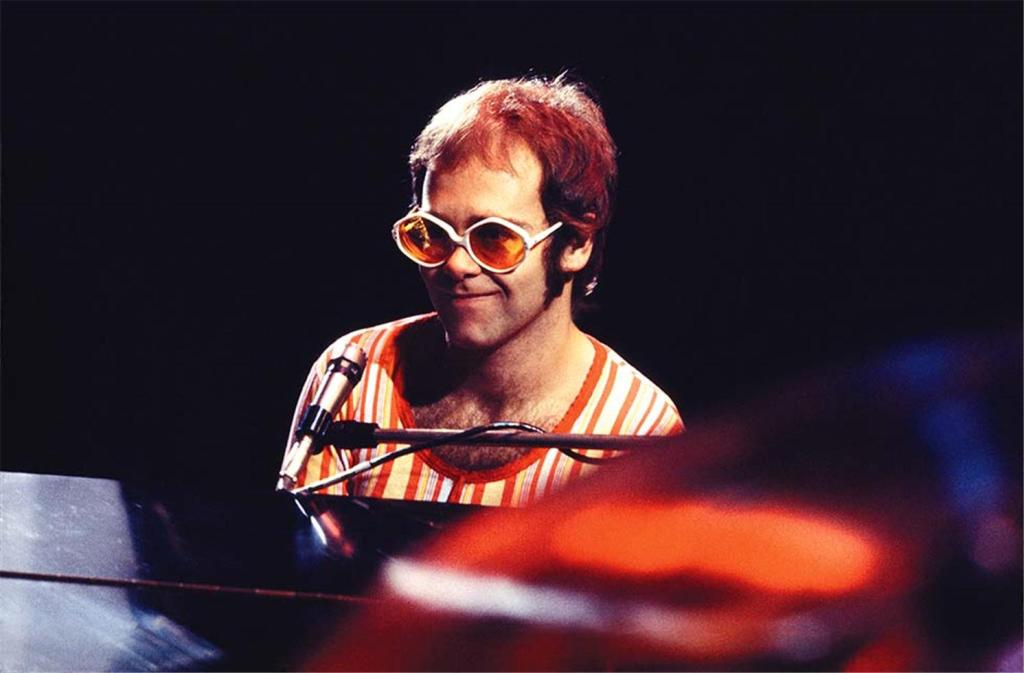 "Elton John ""Rocket Man"" GMF - Song 2"