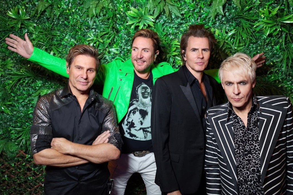 """Duran Duran """"INVISIBLE"""" Give Me Five"""