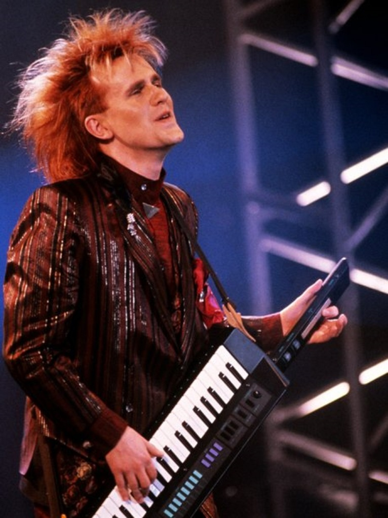 """Howard Jones """"Things Can Only Get Better"""" Give Me Five - Song 2"""