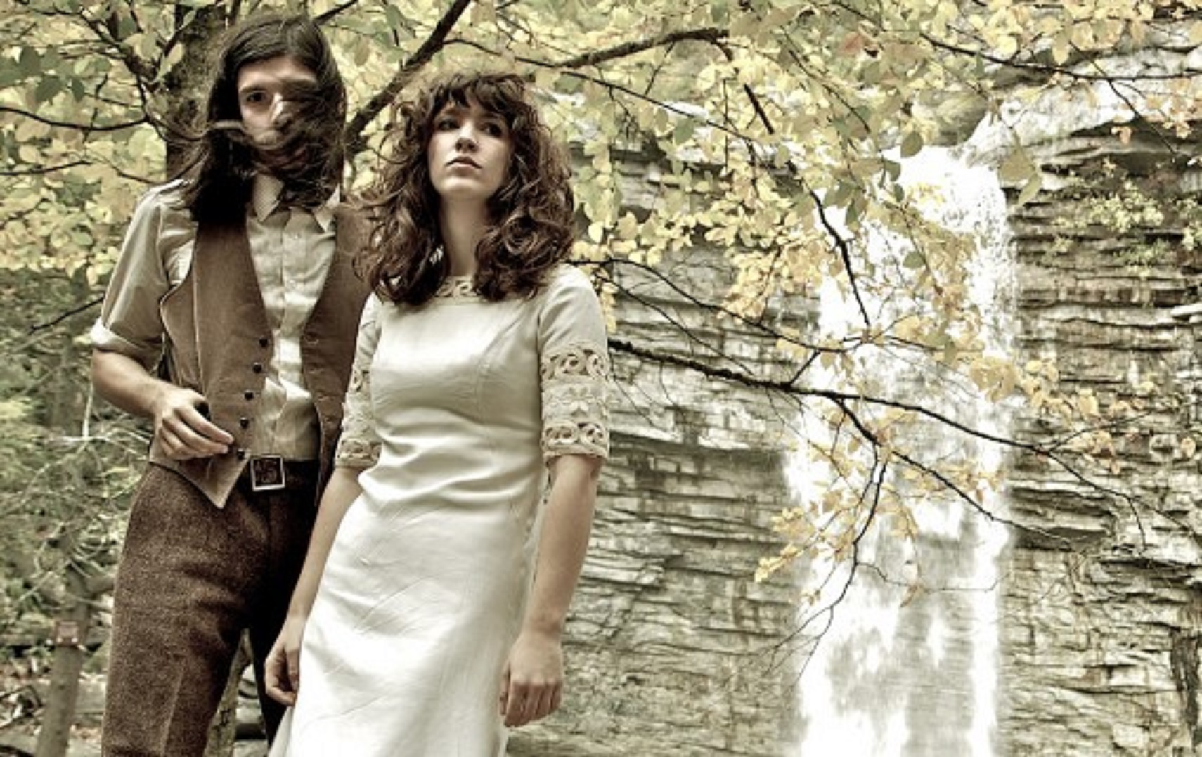 "Widowspeak ""Romeo And Juliet"" Under The Covers Song 3"