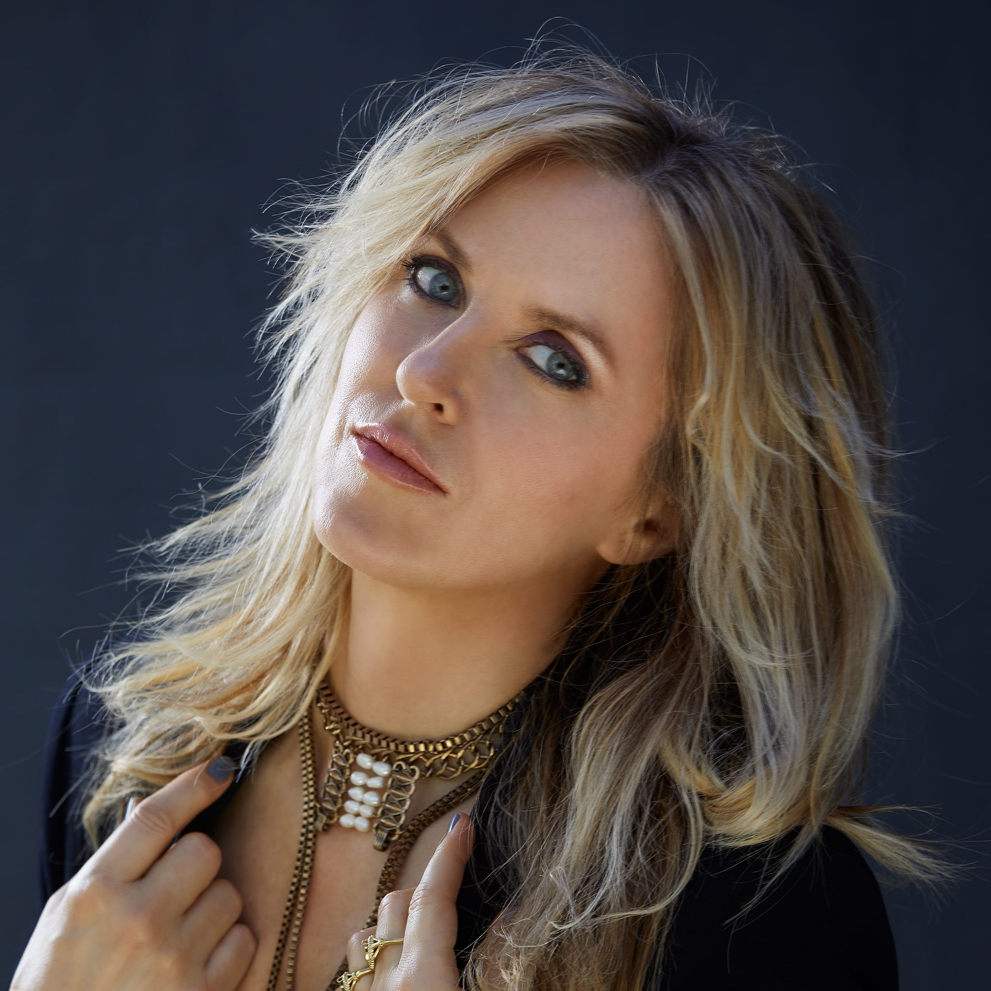 """Liz Phair """"The Game"""" Give Me Five"""